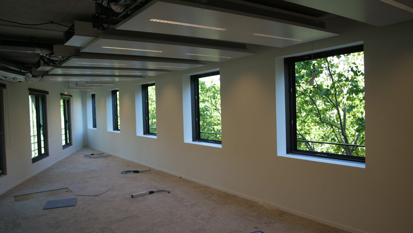 Medicine sans frontier office inside and radiant panels
