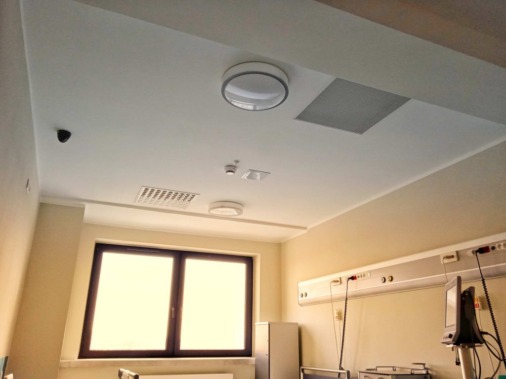 Isolation room with Halton Vita Iso solution at Maria Sklodowska-Curie Memorial Cancer Center and Institute of Oncology in Poland